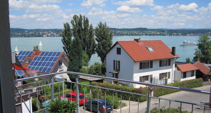 Aussicht vom Balkon der Ferienwohnung Seeblick Imperia in Konstanz-Dingelsdorf am Bodensee